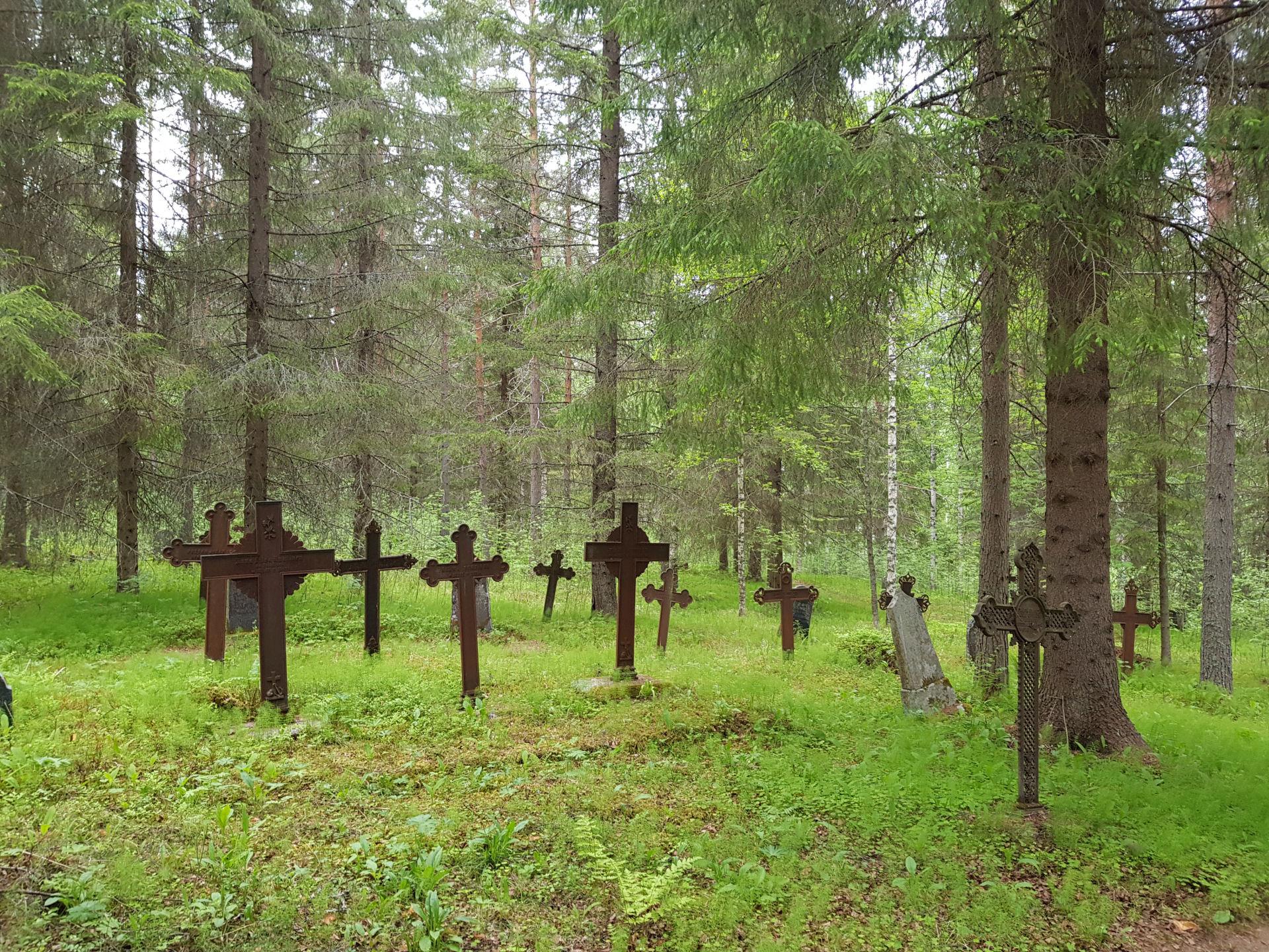Nyt suositut hautausmaakierrokset myös Karttulassa